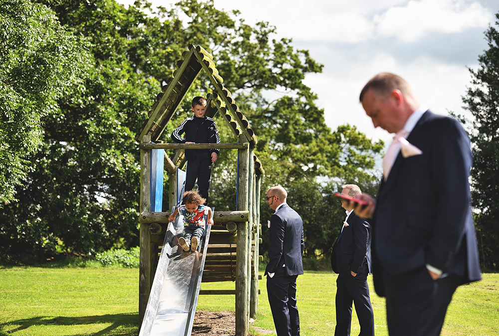 The Groomsman meet at The Wagon & Horses Pub near Sandhole Oak Barn in Cheshire